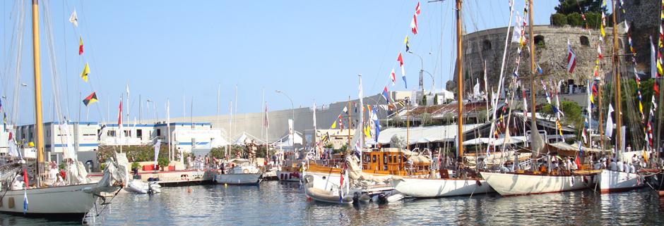 Vista panoramica di monte carlo durante la classic week del yacht club di montecarlo la belle - Finestre per barche ...